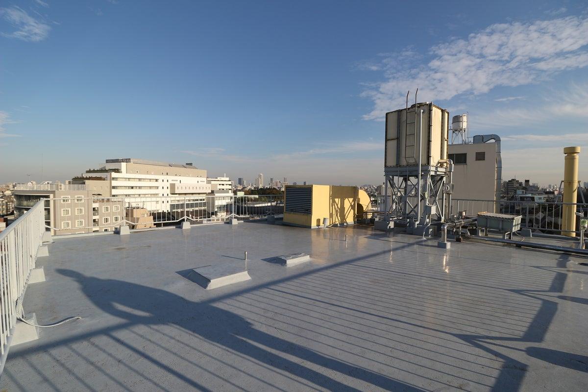 【えこてん】都内最大級の300㎡以上の屋上スペース!MV撮影、PV撮影、CM・ドラマ撮影に最適です。 の写真