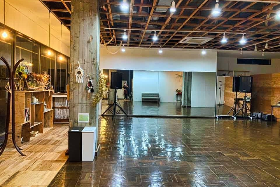 【沼津】レンタルスタジオ(鏡付き!)おしゃれで広々としたスペースです! の写真