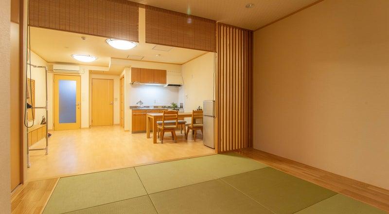 【徳島駅徒歩5分】最大6人/フルリノベ HOSTEL PAQ tokushima デラックスルーム 貸出