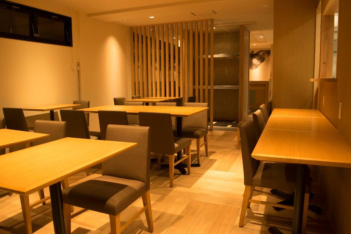 【ごみ捨て無料・キッチン付き】ホテル1階のフリースペース(~15名まで) の写真