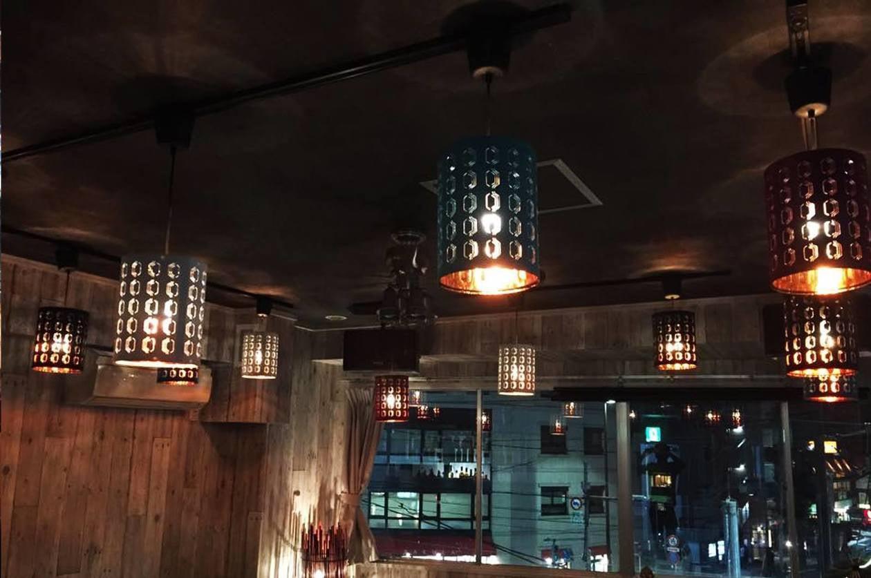 【中野駅 徒歩4分】自然光豊かな明るい木目調のキッチン付きスペース♪《即お返事いたします》 のサムネイル