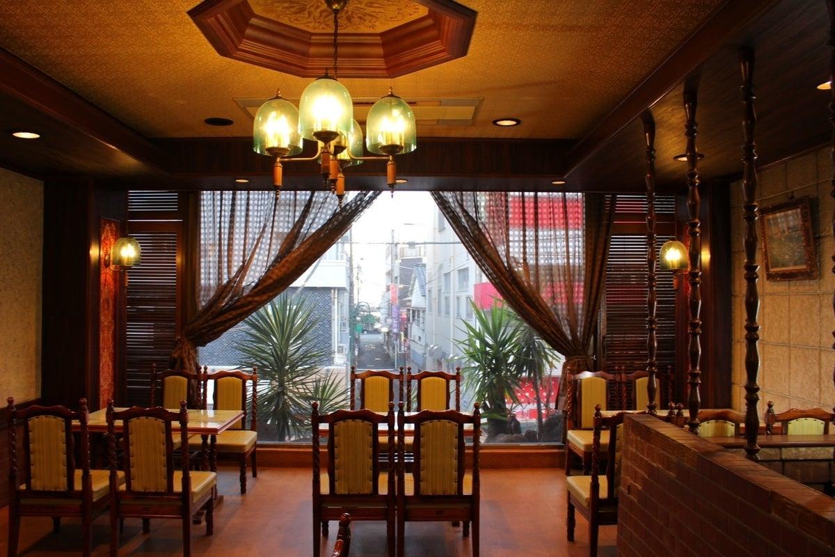 熱海老舗洋食レストラン2Fの空きスペース。レトロな雰囲気。 撮影/パーティー/会議/面談/セミナー/研修 の写真