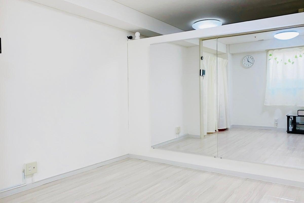 直前割20%OFF🈹大阪・長堀橋2分!Wi-Fi、Bluetooth対応、ヨガマット無料☆整体ベッド一式✨クロマキー撮影✨ の写真