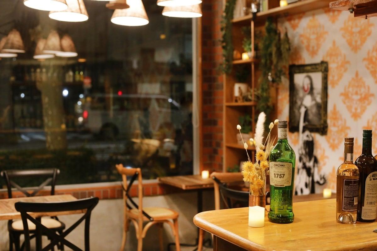 【おしゃれなカフェ&バー】浅草寺まで徒歩2分!最大10名利用可能なキッチン付スペース の写真