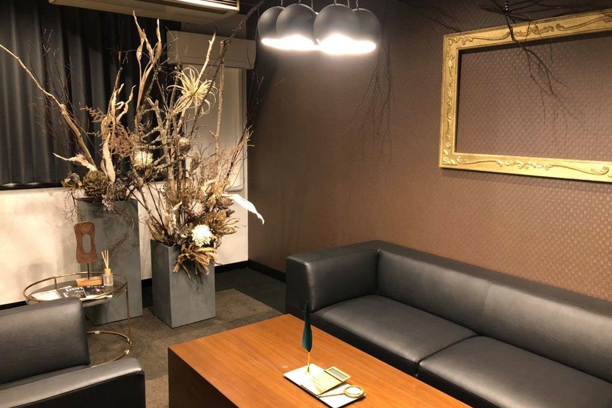 【仙台協立第1ビル3階3-E貸会議室・応接室】4名様用 重要な商談や打ち合わせのできる応接室  の写真