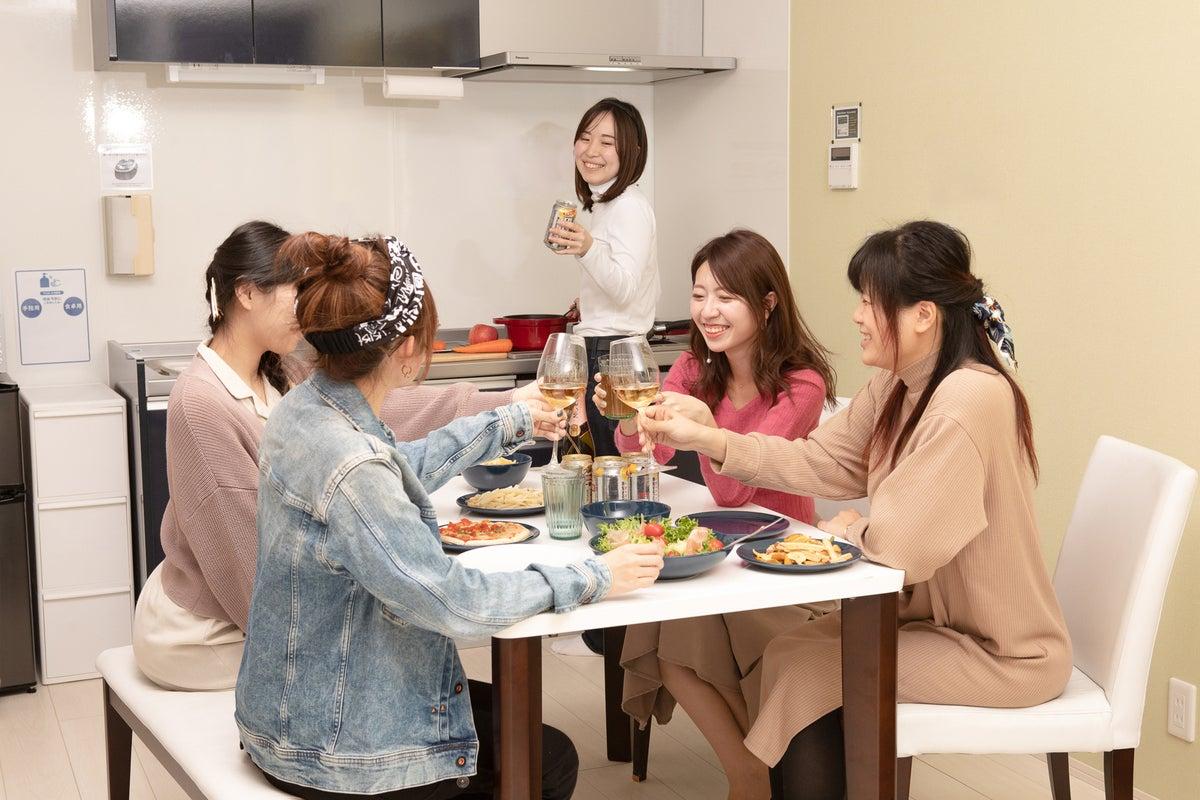 「テレワーク応援スペース」岐阜羽島駅徒歩3分 フルキッチン付き個室40㎡1LDK カップル、女子会、ママ会、誕生会、料理教室など の写真