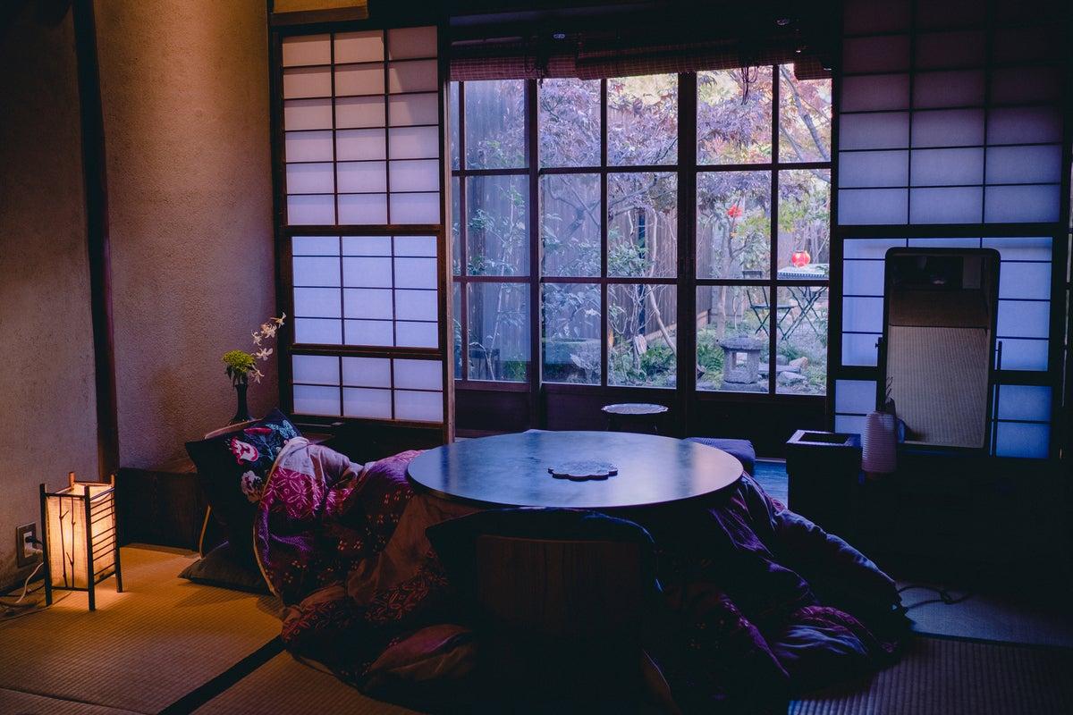 京町家【お宿梅夜】広々とした中庭、共有キッチン付 女子会・誕生日会・ママ会・コスプレ撮影、結婚、卒業記念撮影 の写真