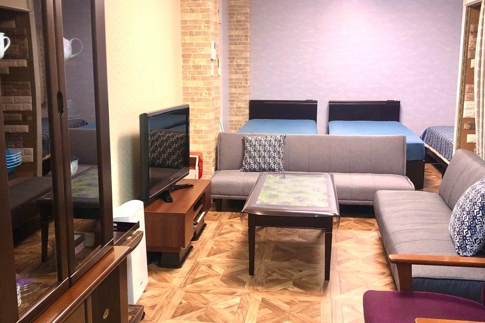 広島駅から徒歩10分 シングルベッド3台 ソファーベッド2台 の写真