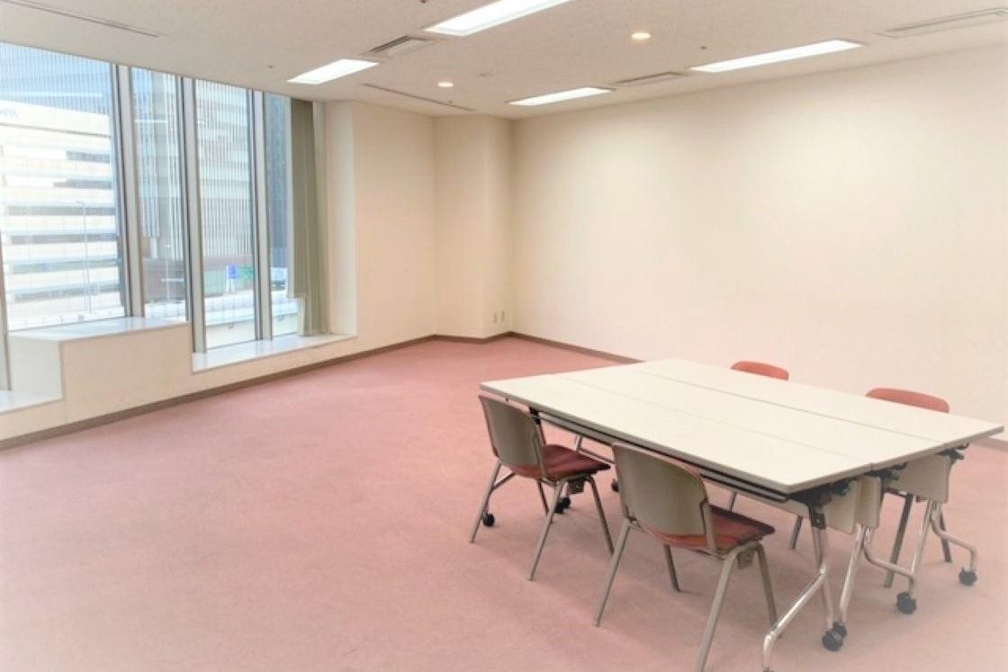 【横浜駅直結!】駅近フリースペース・趣味で広いスペースをお探しの方、各種展覧会、踊り・模型・ドミノ・ゲーム等イベントスペースに! の写真