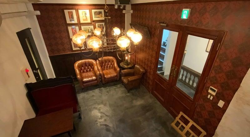 幡ケ谷駅徒歩3分。フォトジェニックなラウンジ空間と全10部屋の音楽スタジオ