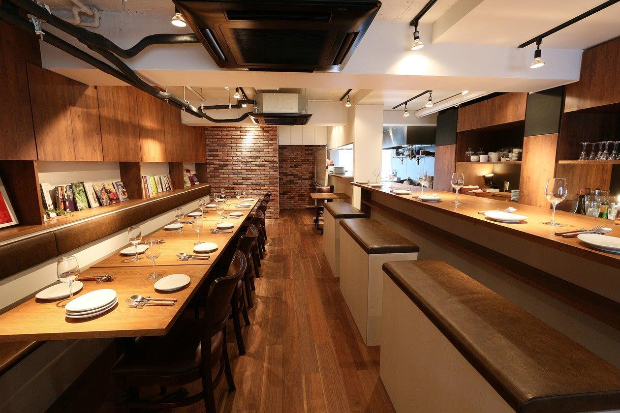 【神楽坂・飯田橋】手ぶらでOK!ビストロ風の空間とプロ仕様のキッチン 基本調味料、ラップ、リード等はご用意しております! の写真