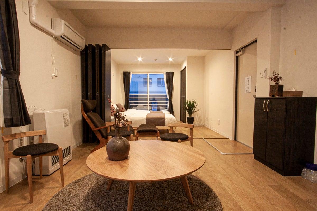 【南5西7】新築綺麗な1室で小規模なPARTYなど駐車場応相談。R3 の写真