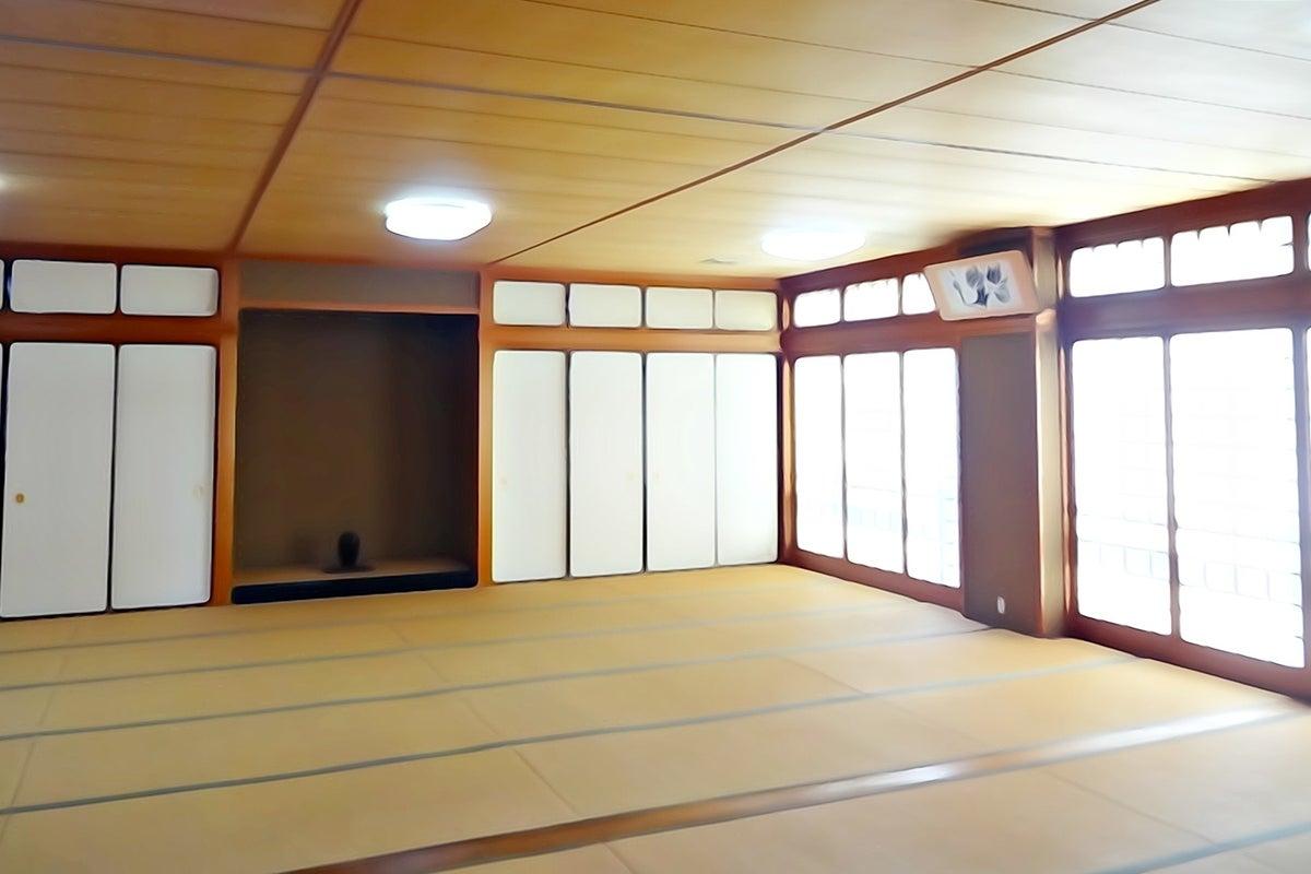 京都駅近の寺スペース洛箱です 九条駅徒歩1分 36畳和室 清掃不要!Wi-Fi無料! の写真