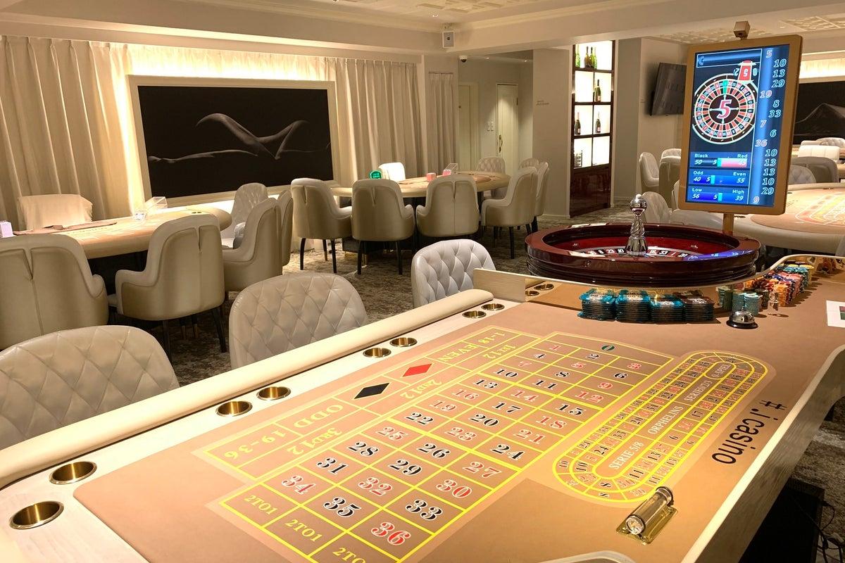カジノ台付きイベントスペース!5種類のマカオの本場の台!!イベント、合コン、女子会など用途様々です!! の写真
