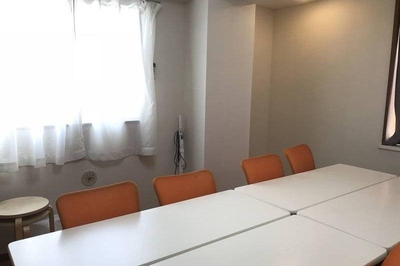 完全個室、テレワークにも最適、大型モニタ、高速Wi-FI完備で設備充実 の写真