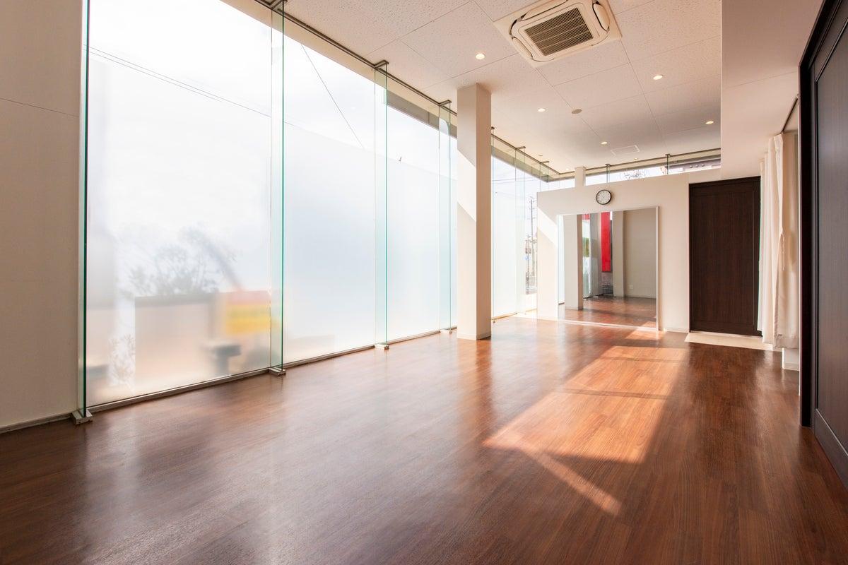 岐阜県関市のレンタルスペースONE①|ミラー付きスタジオ の写真