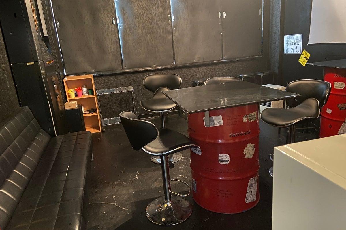 ダーツキッチン付きパーティスペース の写真