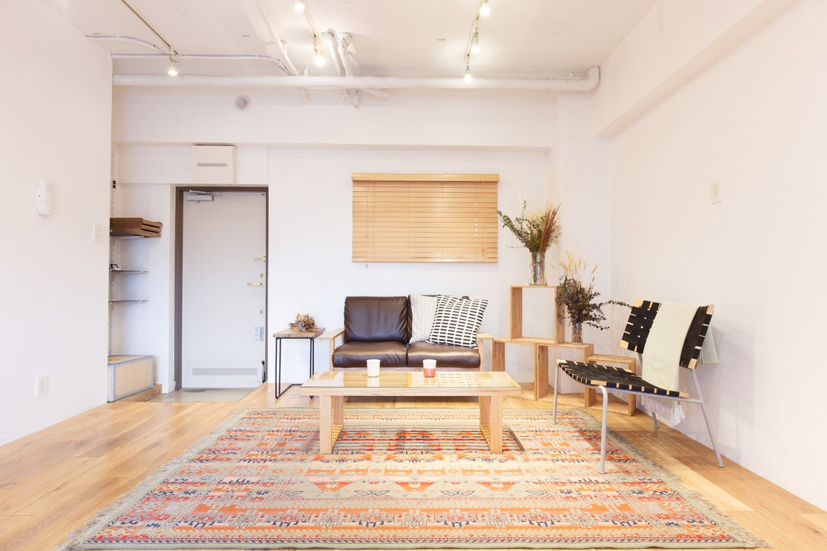 【原宿駅徒歩6分】-Room A- Wi-Fi(光回線)/撮影・会議・セミナー《プロジェクター/スクリーン/ディスプレイ》 の写真