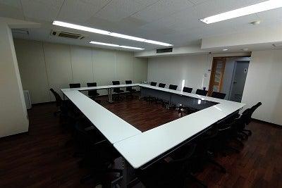 レンタル会議室601(最大24名様まで、現在コロナ対応にて16名様まで) の写真