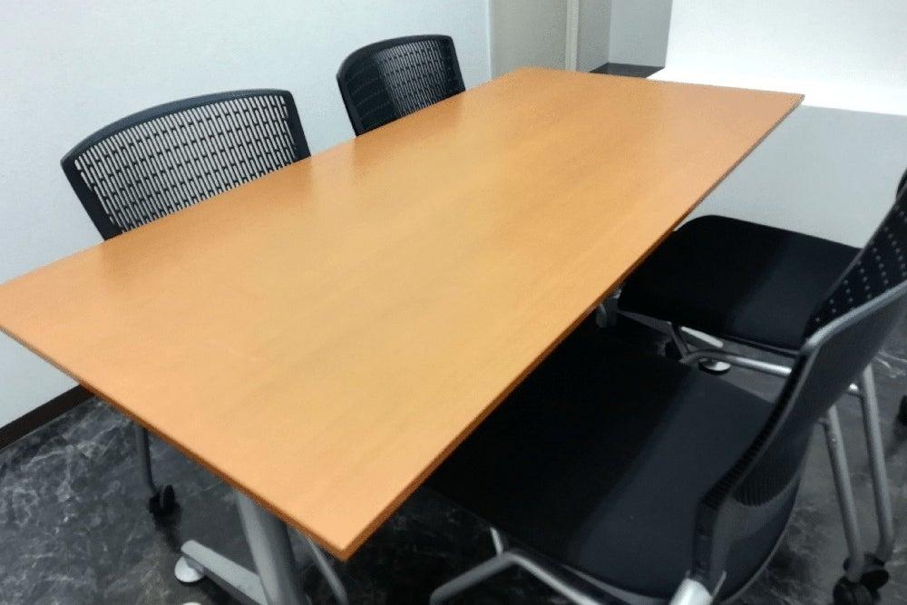Office TAKASAKI BASE 第4会議室4席(1~4名) の写真