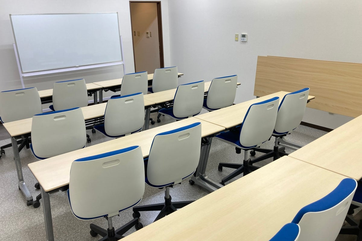 Office TAKASAKI BASE 第1会議室16席(1~16名) の写真
