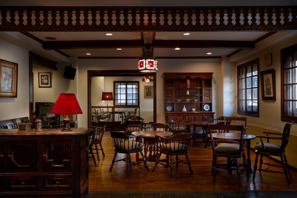 【信州松本】民芸家具に囲まれた大正ロマン漂う喫茶室を丸ごと貸切 の写真
