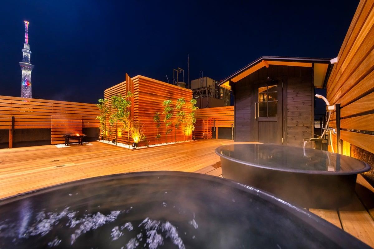 スカイツリーを一望できるルーフトップサウナ の写真