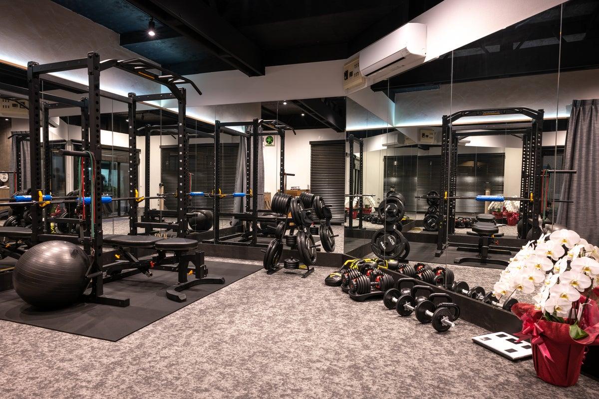 清澄白河初のレンタルフィットネススタジオ!高重量トレーニングからヨガ、キックボクシングまで、様々なトレーニングが可能! の写真
