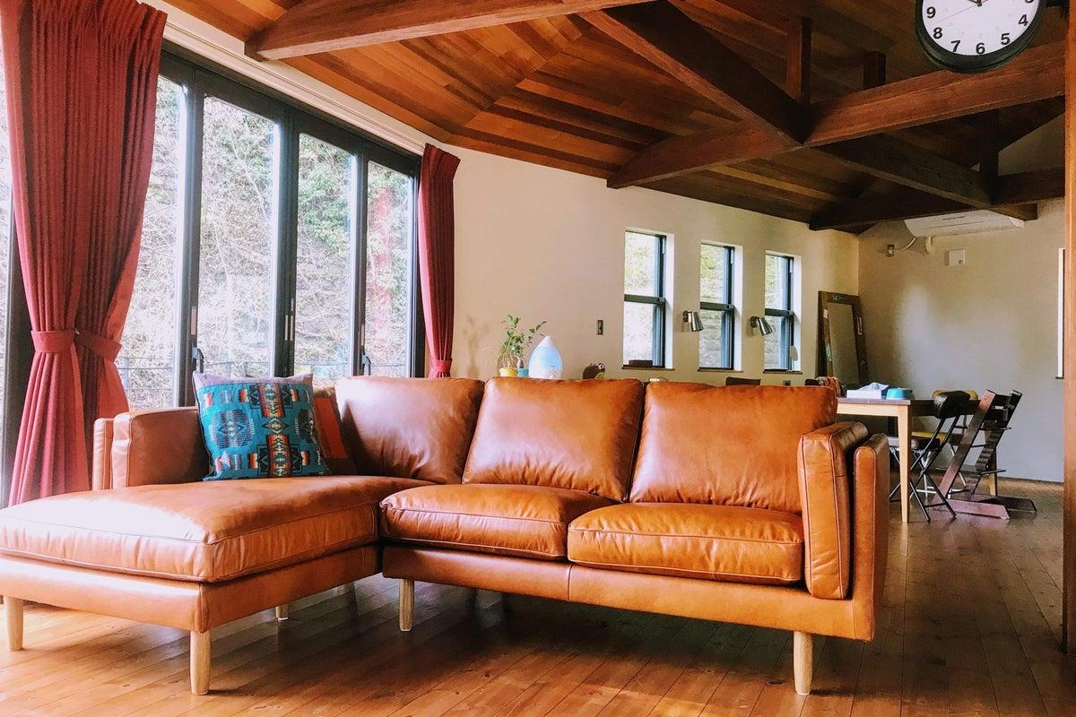 <自然の中の家>30畳リビング+10畳ウッドデッキ・撮影実績多数 の写真