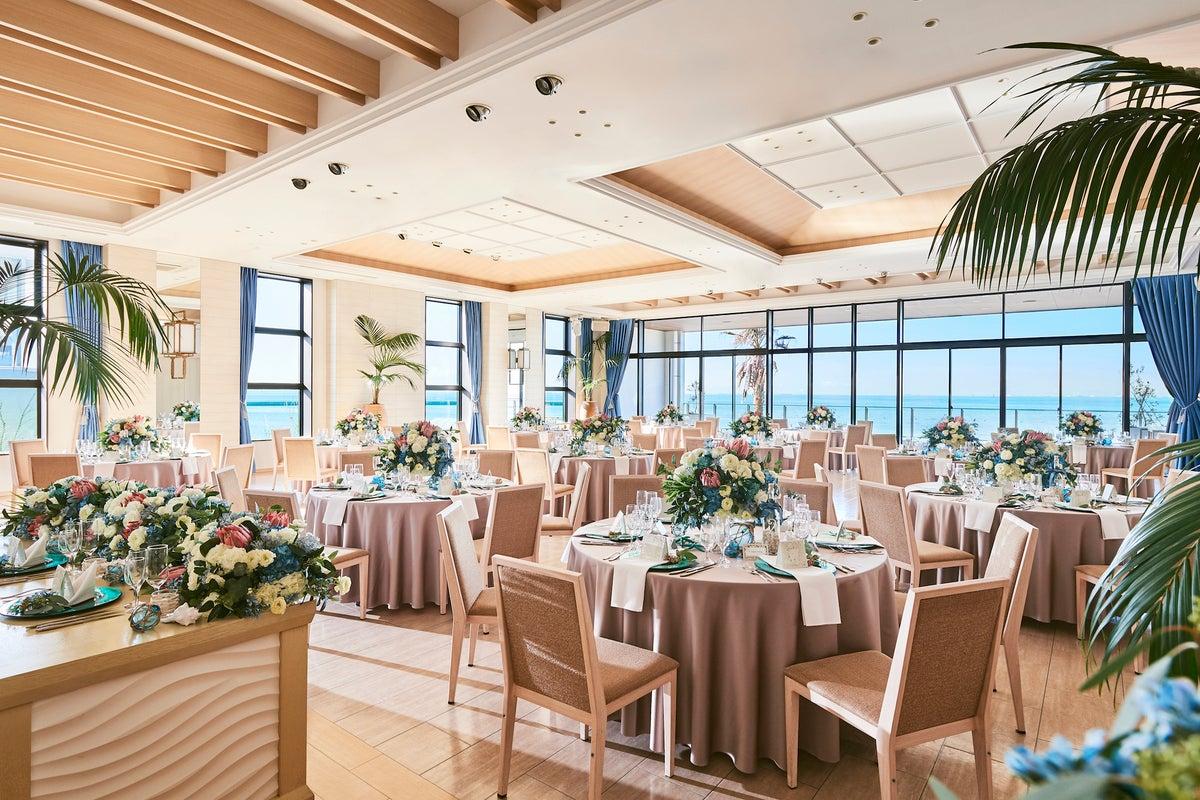 【海浜大通り】オーシャンビューが魅力の撮影やレセプションパーティーに適したイベントスペース(リノ-Lino-) の写真