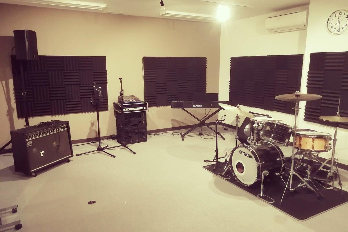 [東海大学前1分/駐車場有] 駅チカ音楽スタジオ。バンド、各種楽器練習、レッスンなど の写真