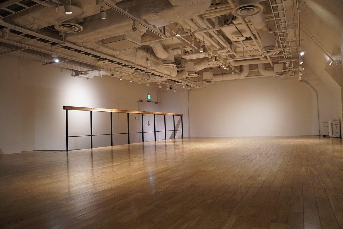 【横浜みなとみらい】HALL/セミナー、パーティ、ヨガに使えるホールです。 の写真