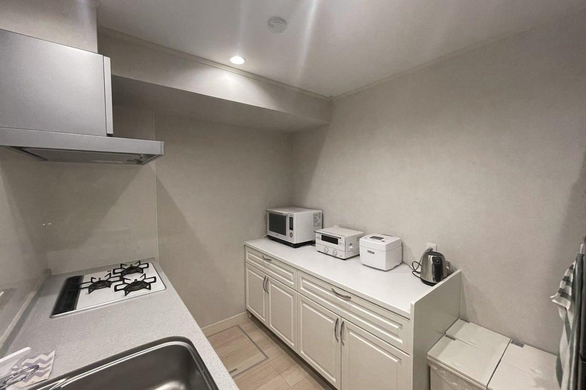 都立大学徒歩3分新築キッチン&リビングダイニングスペース の写真
