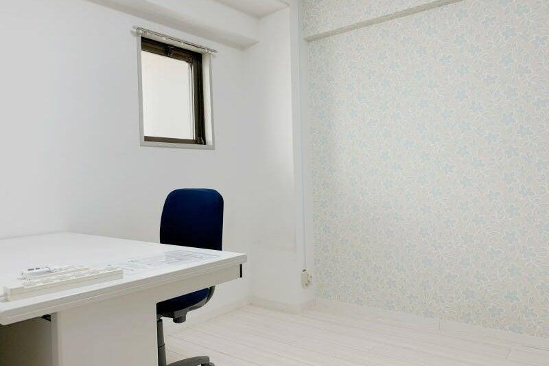 ≪大阪駅10分❕テレワークスペースD303≫オシャレな完全個室✨テレワーク,Web会議,面接に の写真