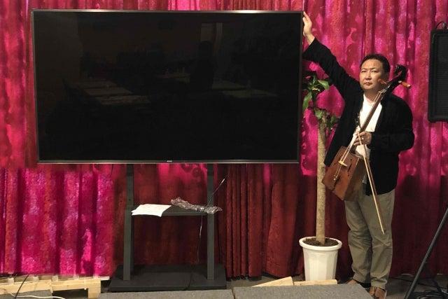 グランドピアノ・PA・照明・85型4Kモニター完備!100名程度のコンサート・イベント・会議・各種企画などに の写真