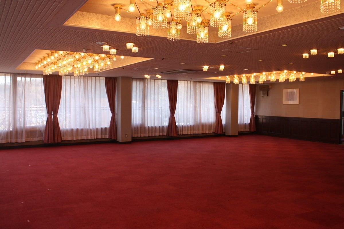 【東京サマーランド】3階 スカイラウンジダイヤ 最大100名収容!各種会合、研修会やパーティーに最適です の写真