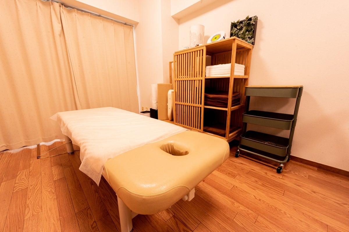 【三鷹駅徒歩4分】理想の施術空間を追求したらシンプルになった。鍼灸整骨院プロデュースのsimple三鷹 の写真