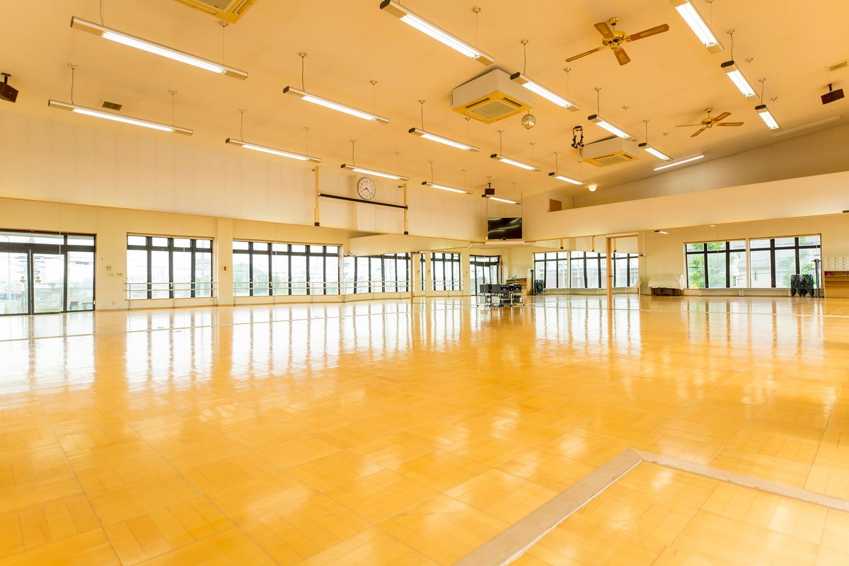 名古屋の広いスタジオはナカガワスタジオ!鏡面、音響、映像設備完備。ダンス、スポーツだけでなくイベントや会議など幅広い用途に対応。 の写真