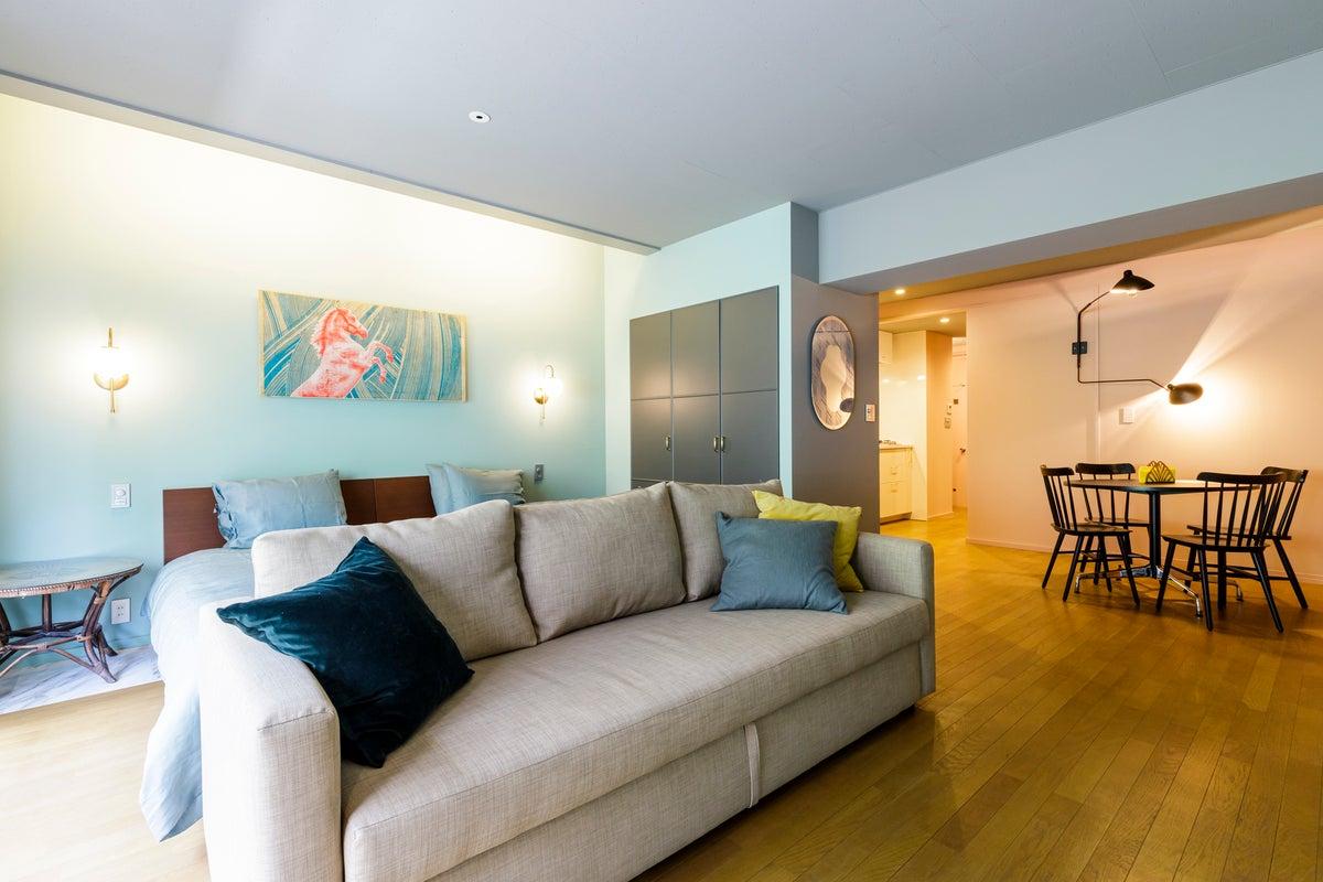 洋風のホテルのようなスタジオ JACKビル301 by zens の写真