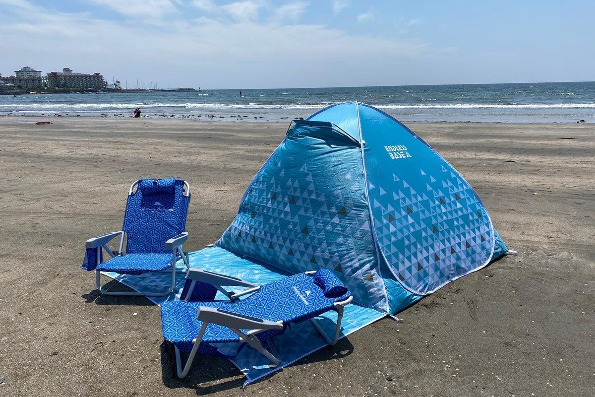 材木座海岸徒歩2分!温水シャワー付き!テント&チェアセット の写真