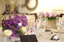 【広島】 シルバー 広がりと上品なかがやきを演出空間 宴会/ミーティング/パーティー/ウェデイング の写真
