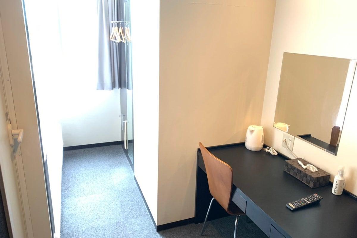 <ミニマルワークスペース姫路104>ホテルファース姫路の1室♪Wi-Fi無料/テレワーク/Web会議/作業場所 の写真