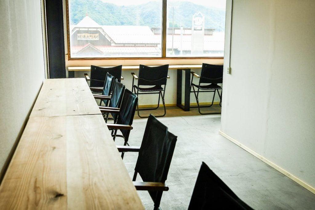 信濃大町駅徒歩0分【.SPACE OMACHI】貸会議室・撮影・オンライン会議利用に最適!Room1 の写真