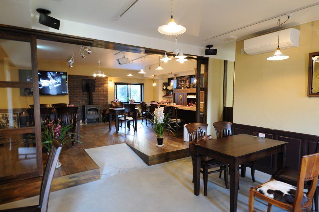 ナゴヤドーム近く ライブ・楽器演奏ができるおしゃれな英国風カフェスペース/2次会、同窓会、発表会、貸切りライブ(Cafe Lui(カフェ・ルイ)) の写真0