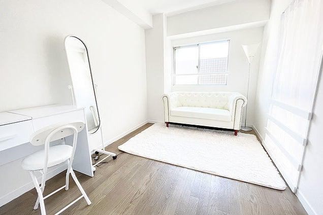 撮影可能な個室二部屋‼︎隣にコンビニ‼︎隣にコインパーキング‼︎撮影用ロールペーパー有り‼︎ の写真