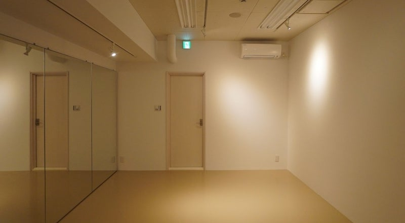 渋谷駅から徒歩3分!シンプルで綺麗なスペース!プライベートレッスンや定期的なセミナー、ミーティング、フィッティングなどに!