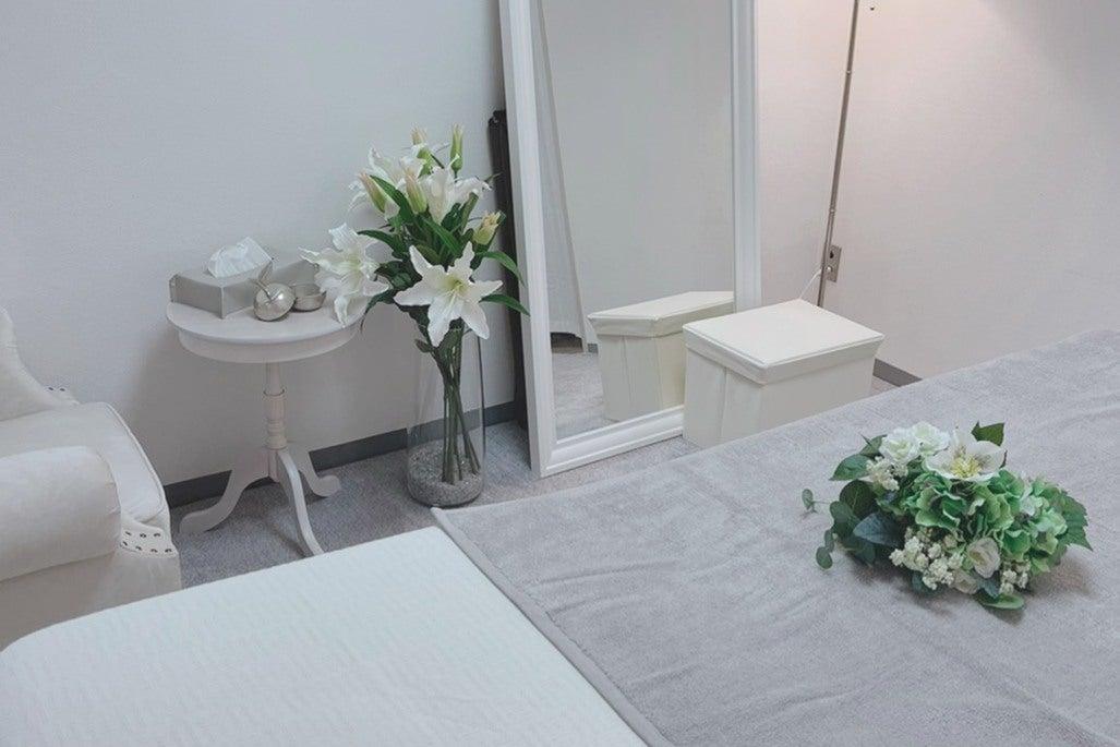 【横浜駅西口】SサロンSoliflore 可愛い雰囲気の完全個室型スタイリッシュサロン の写真