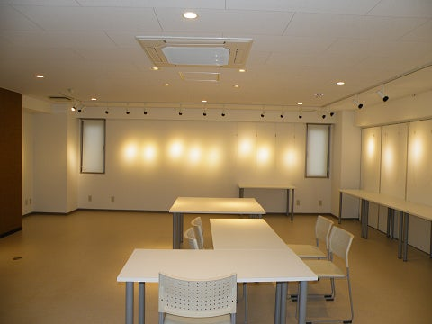 【国立駅徒歩5分】 スペースコウヨウ3階ギャラリーは、個展や展示会などにも使え又、会議やパーティーにも最適!