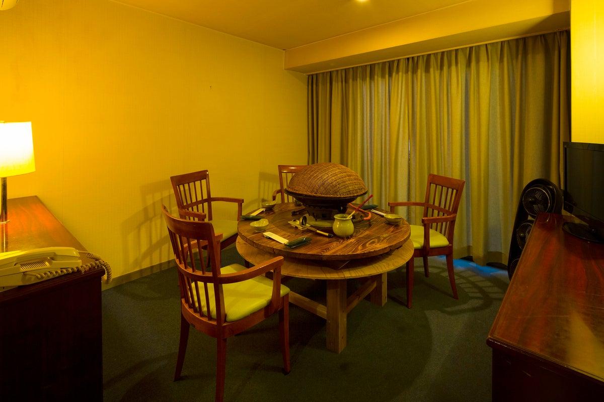 女子会、飲み会、ミーティングに最適、完全個室、ユニットバス完備 の写真