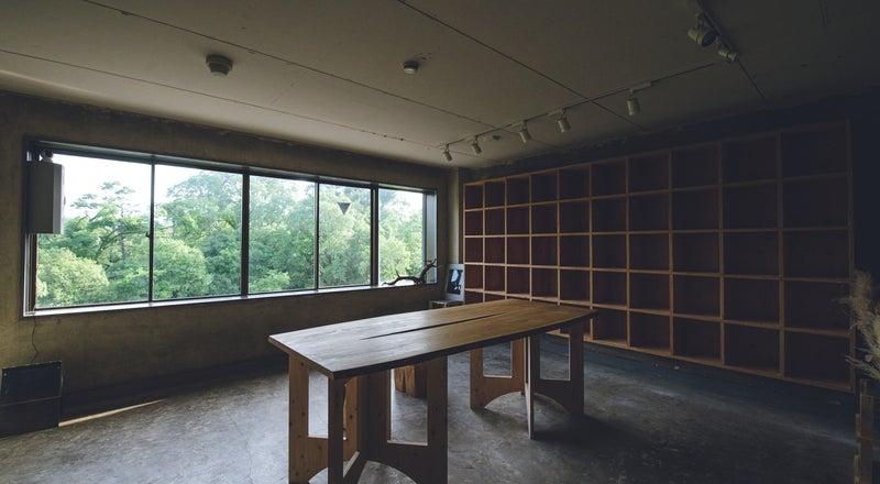 京都、丸太町駅から徒歩3分の御所南に位置するギャラリー・撮影スタジオ